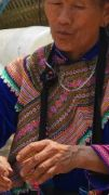 Latitude180-vietnam-bac-ha-2016-sunday-market-etnia-flower-hmong63