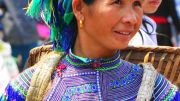Latitude180-vietnam-bac-ha-2016-sunday-market-etnia-flower-hmong51