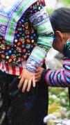 Latitude180-vietnam-valle-sapa-costumi-tradizionali-hmong1