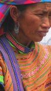 Latitude180-vietnam-bac-ha-2016-sunday-market-etnia-flower-hmong