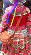 Latitude180-vietnam-bac-ha-2016-sunday-market-etnia-flower-hmong57