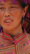 Latitude180-vietnam-bac-ha-2016-sunday-market-etnia-flower-hmong67