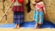 Latitude180-vietnam-bac-ha-2016-sunday-market-etnia-flower-hmong85